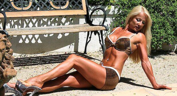 personal trainer south bay - beach body bikini